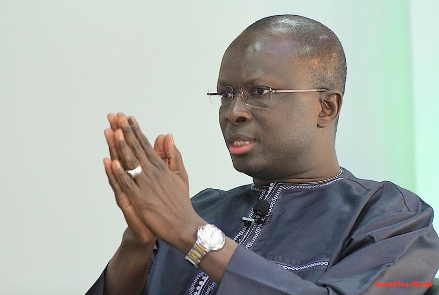 Suspension de Ousmane Sonko et limogeage de Nafi Ngom Keita : ''une décision qui sapent les fondamentaux de notre République '', selon Fada et Cie