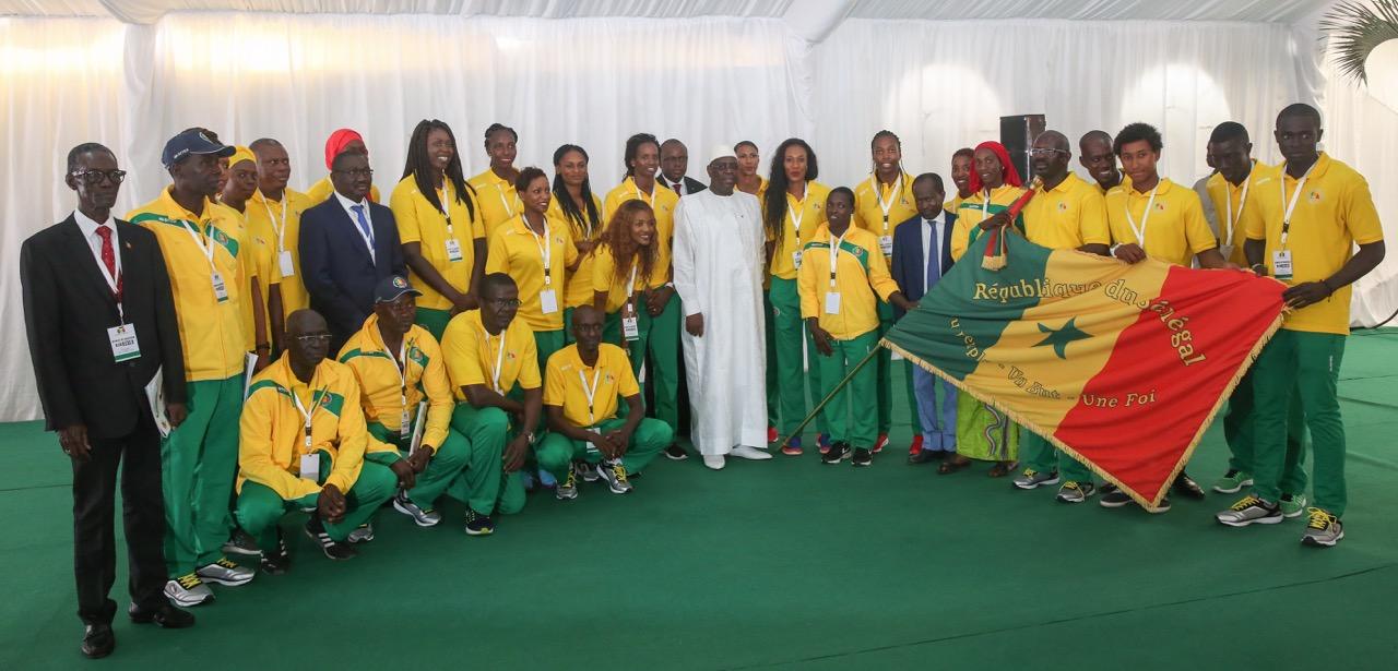 Les images de la remise de drapeau aux Lions Olympiques en partance pour Rio 2016