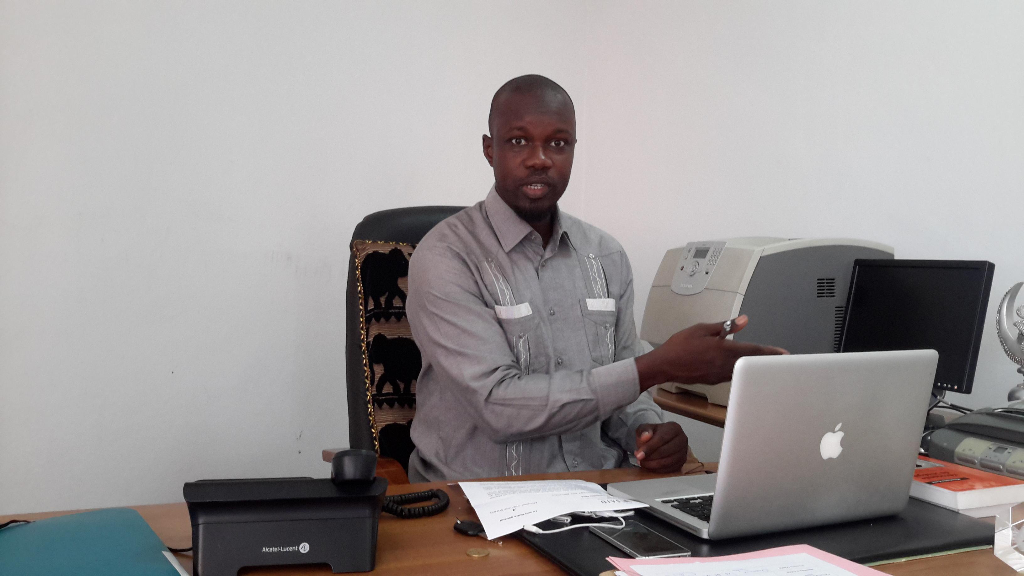 "Cruelle caricature d'Ousmane Sonko : ""Feu Senghor était un intello ; Diouf, un technocrate ; Wade, un doué ; Macky est un ""simbakatt"" ; avec des fagn, fagn, fagn awathiathia"""