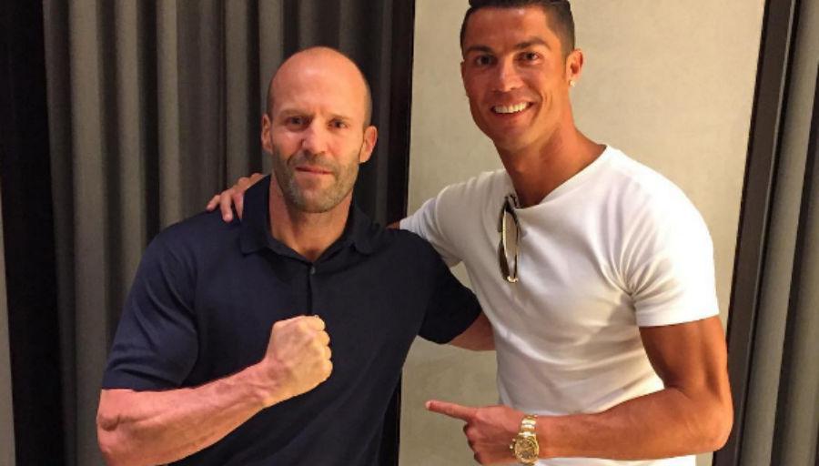 Ronaldo continue sa tournée des stars