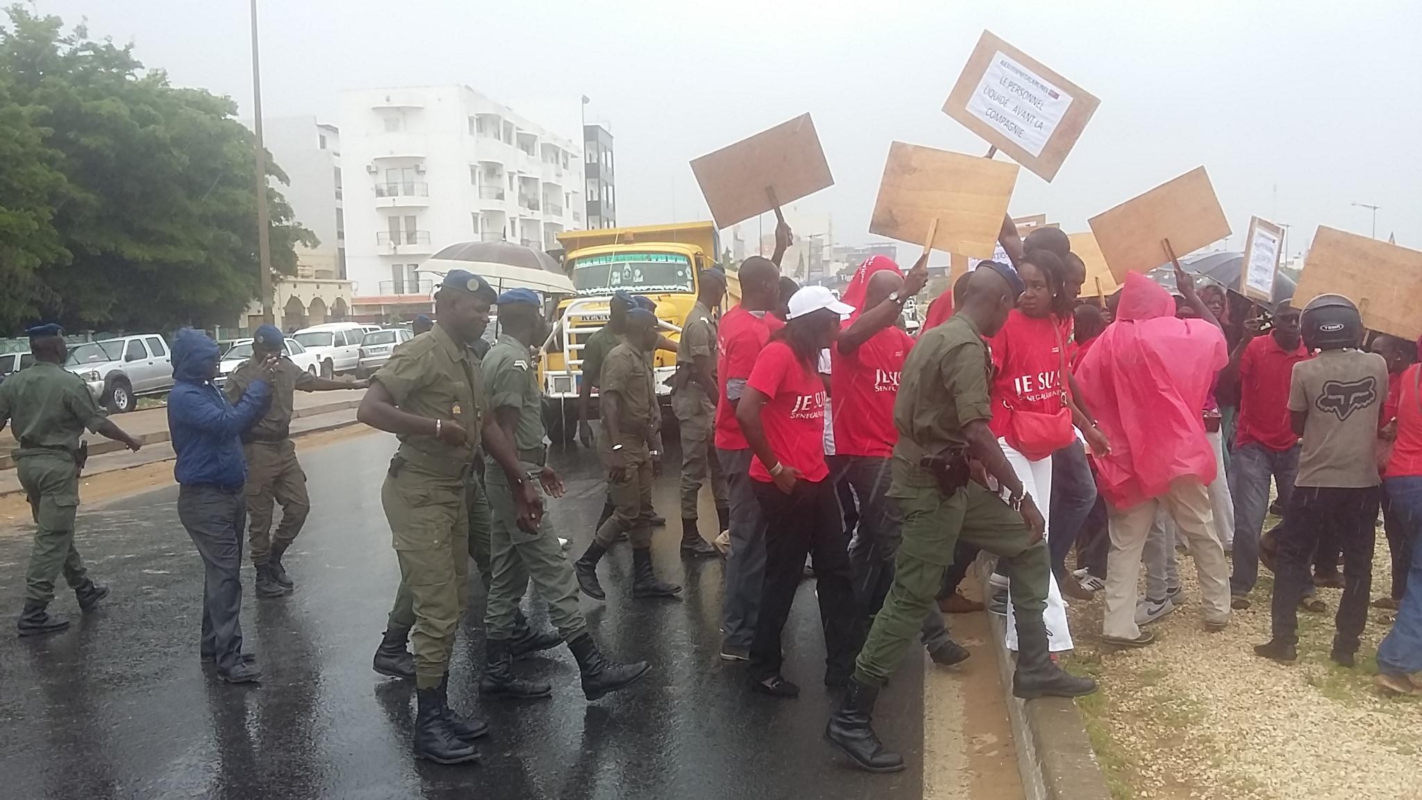 Les images du sit-in suivi d'arrestation des ex-agents de la défunte Sénégal Airlines