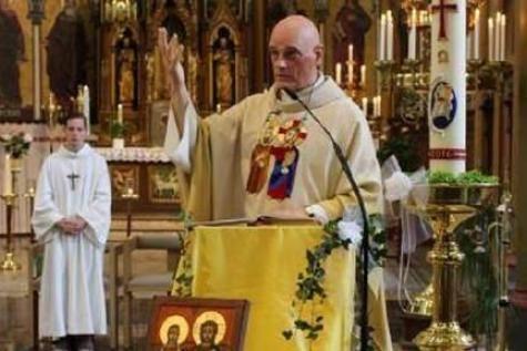 (Urgent !) Un prêtre agressé au couteau par un demandeur d'asile (Belgique)