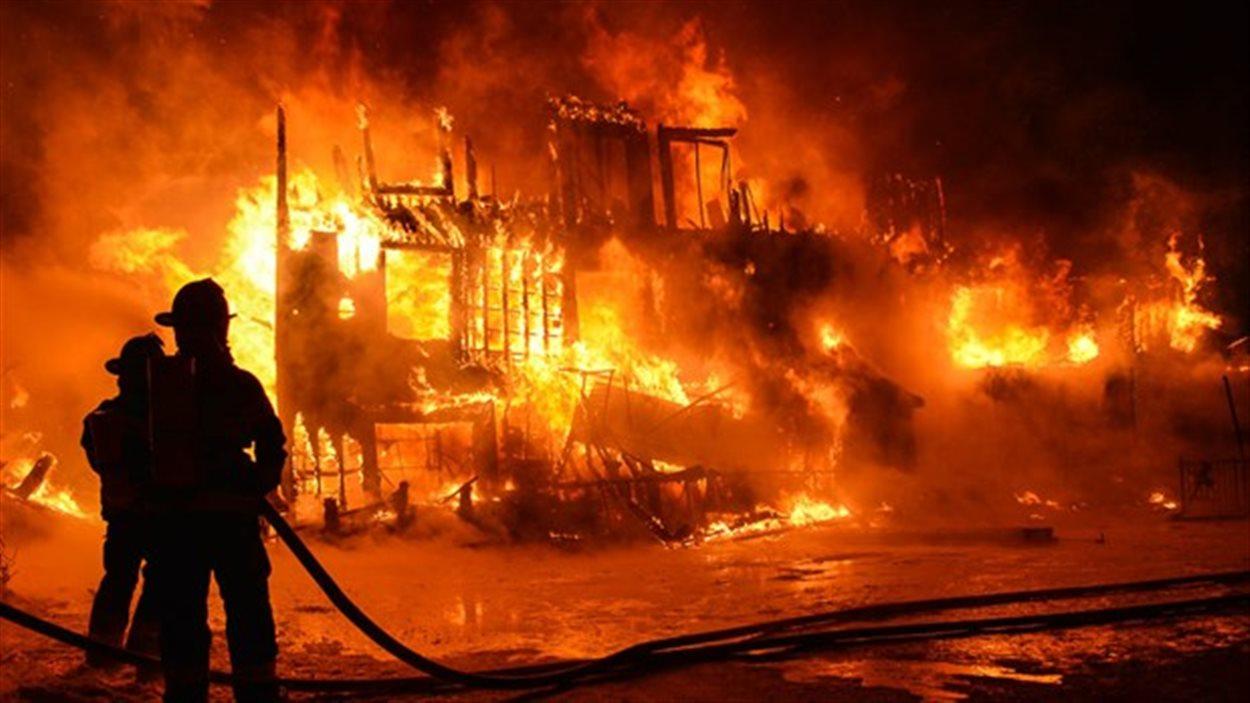 Lutte contre les incendies récurrents dans les marchés : Le Gouvernement annonce un programme d'urgence de 300 millions F Cfa
