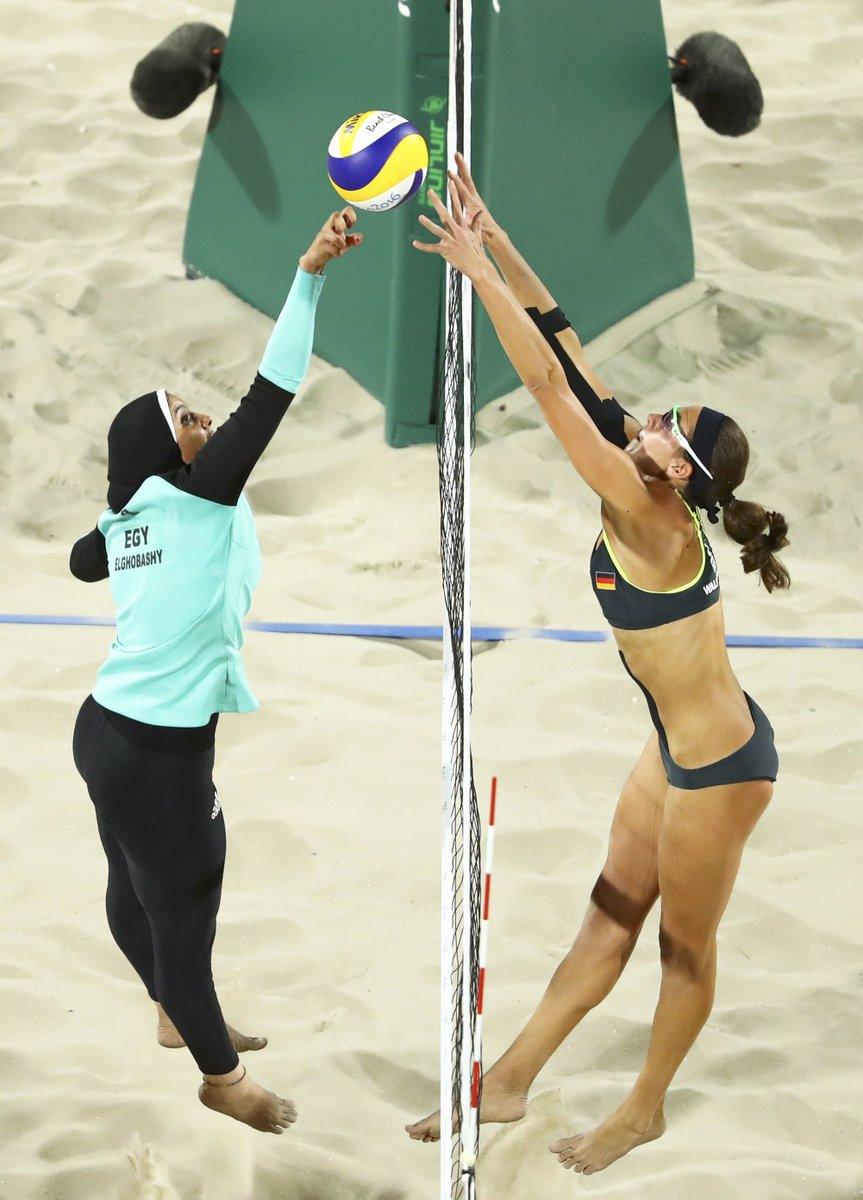 La photo de deux beach-volleyeuses fait le tour du monde: les internautes apprecient