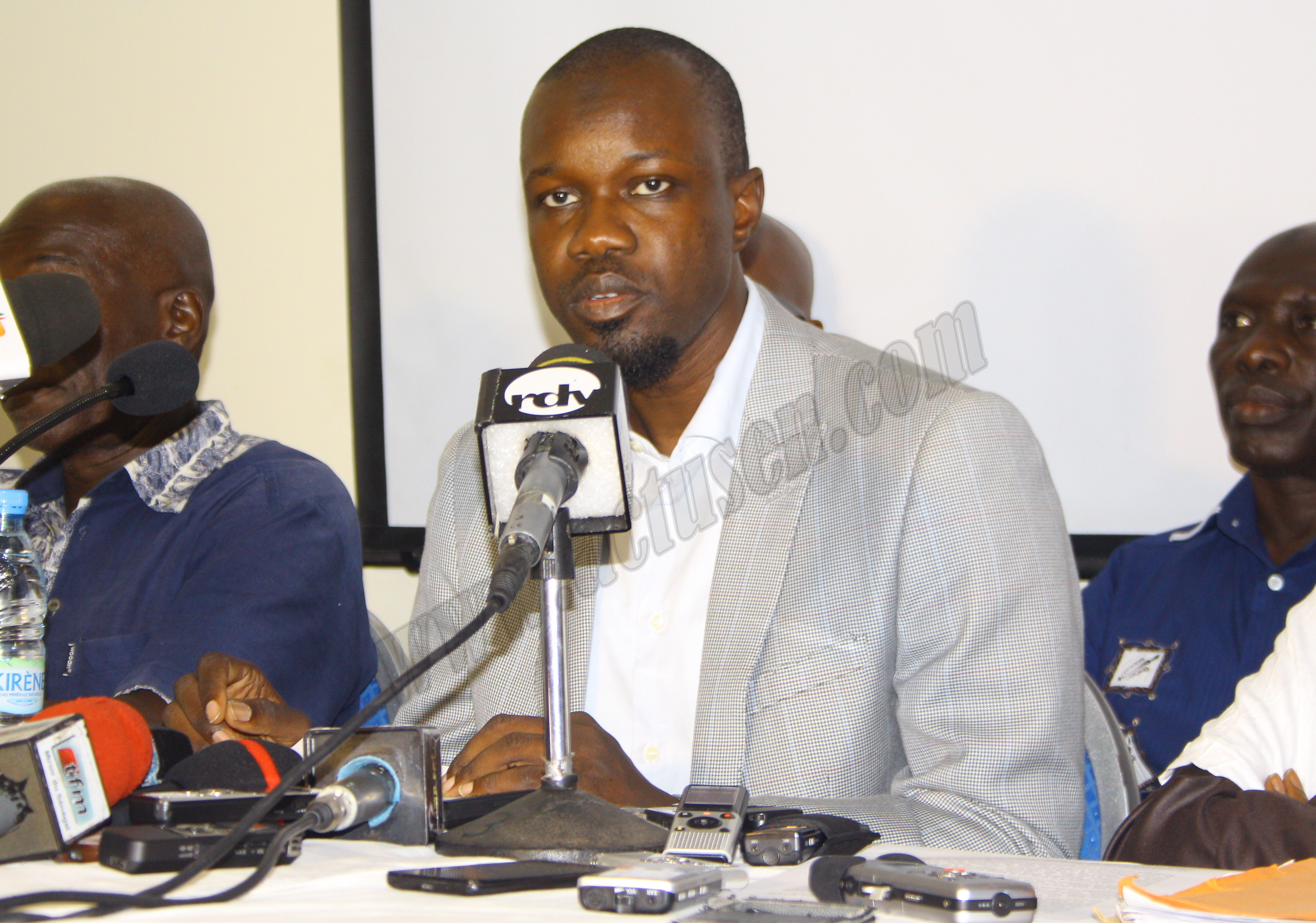 Situation fiscale des entreprises pétrolières : Ousmane Sonko dynamite l'argumentaire d'Amadou Ba, y débusque des maladresses, des manoeuvres frauduleuses puis remue le couteau dans la plaie du ministre