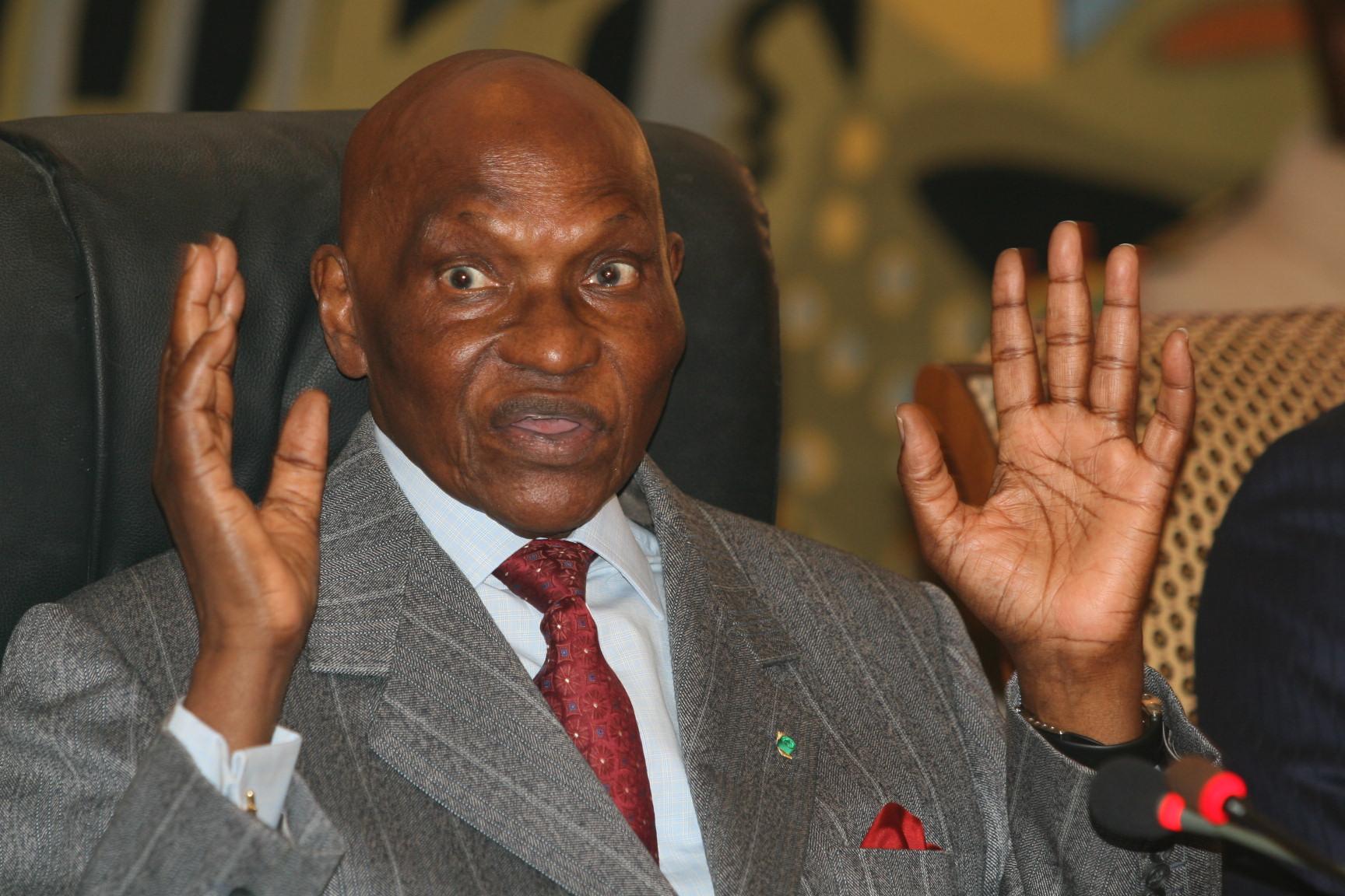 Sièges du HCCT octroyés au Pds : Me Abdoulaye Wade dément, mais que de bizarreries dans son communiqué