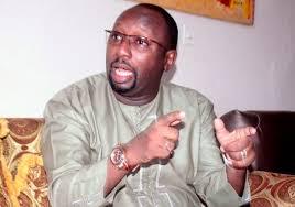 """Zator Mbaye met du sable dans le couscous : """"ceux qui avaient voté NON au référendum, courent aujourd'hui, derrière des postes"""""""