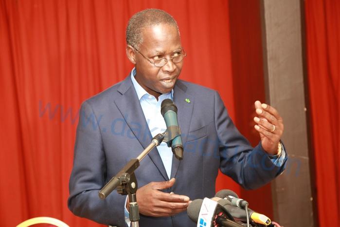 Le griot attitré du Président Sall peut, légitimement, se faire du mauvais sang : le Pm Dionne est une vraie menace pour Farba Ngom
