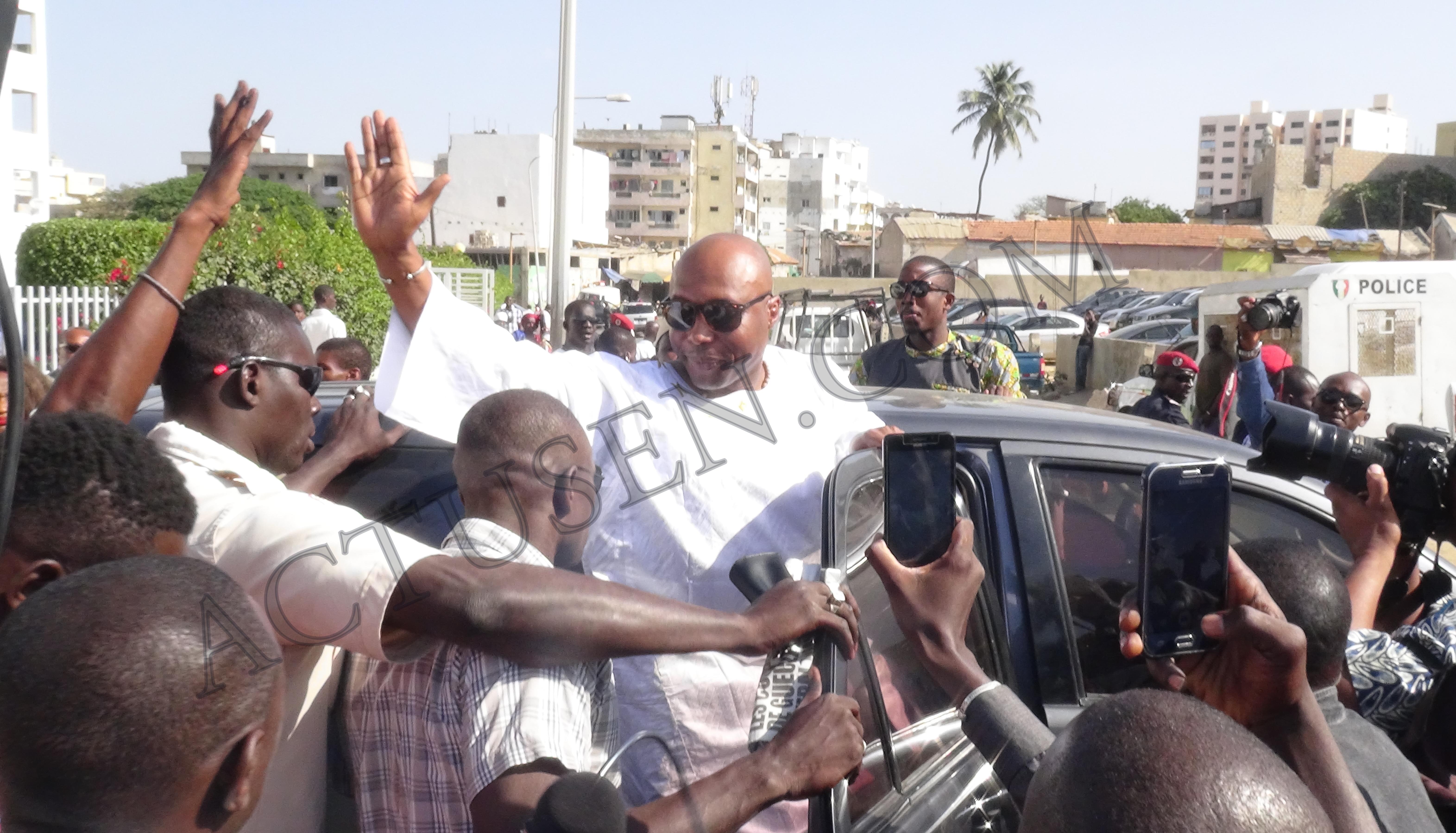 (Info Actusen.com) Tête de liste départementale de Dakar : Khalifa Sall propose Barthélemy Dias ; l'heure est aux négociations