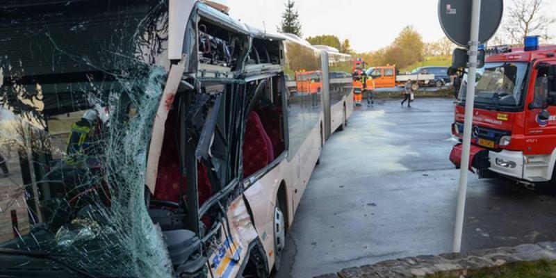 Accident de circulation: un bus DDD percute un camion et un scooter, plusieurs blessés enregistrés