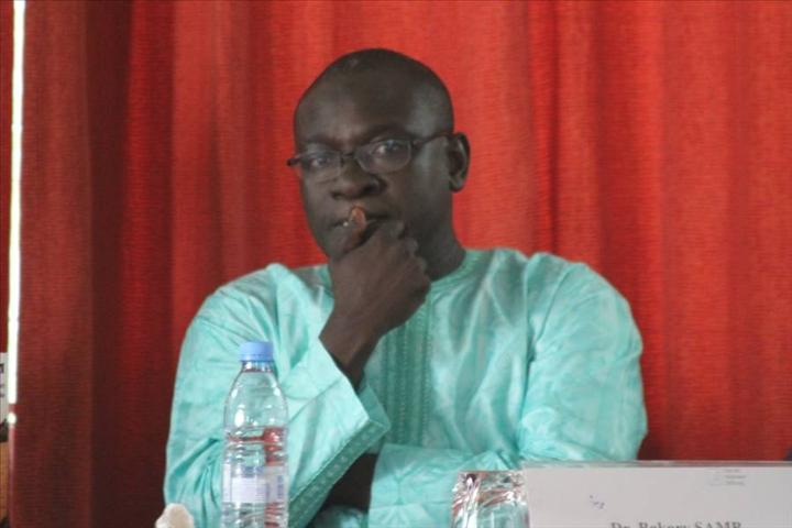 Dr Bakary Samb analyse les raisons du long mutisme de Serigne Cheikh Tidiane Sy et estime que Feu le vénéré khalife n'a jamais affectionné le mot Khalife général