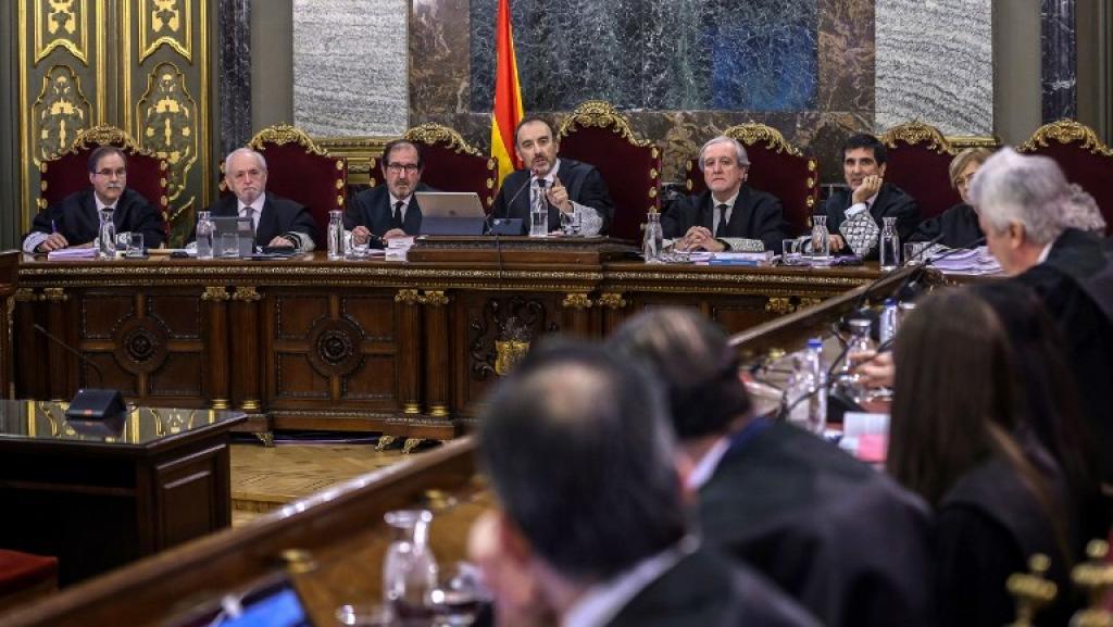 Espagne: le procès des indépendantistes catalans a commencé sous haute tension