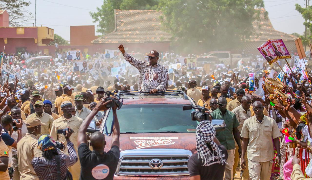 AGuinguénéo:Macky annonce la réhabilitation du chemin de fer Dakar- Bamako
