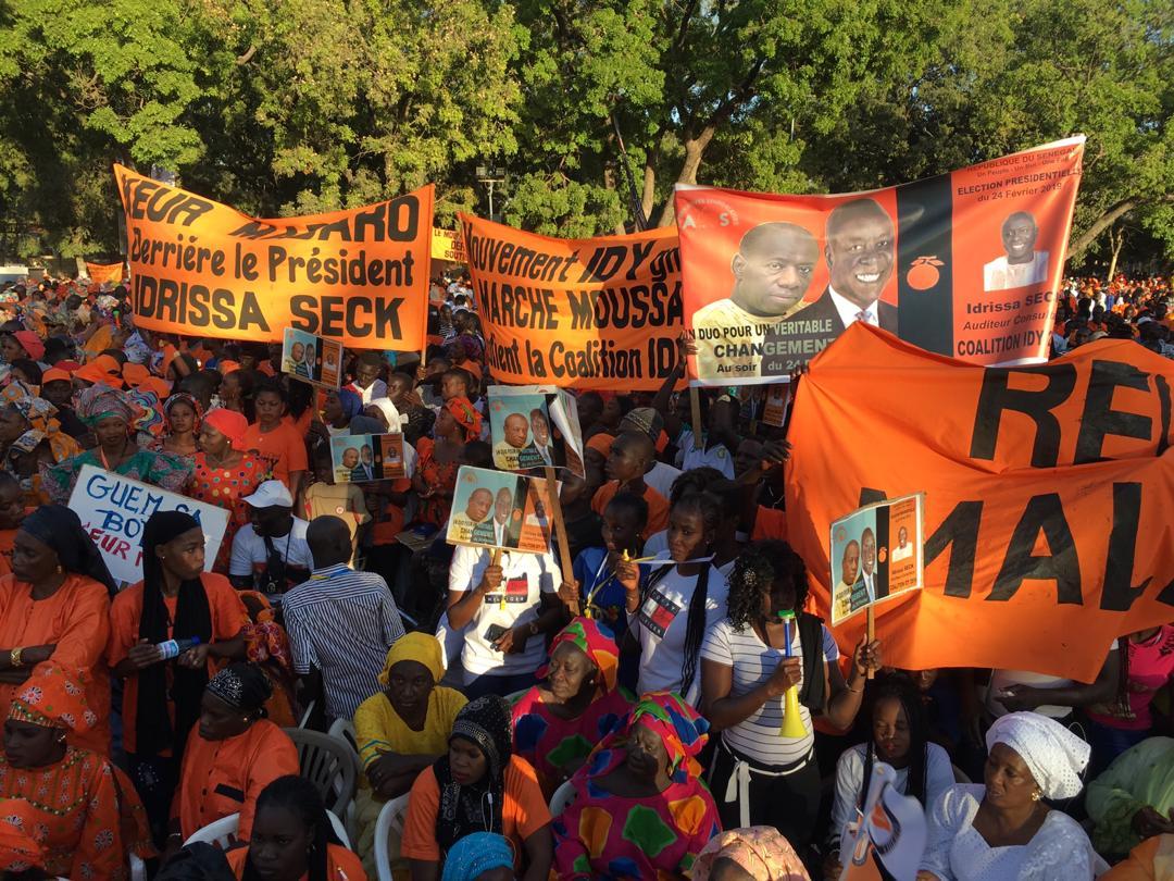 """Meeting du candidat Idrissa Seck à Thiès: la promenade des Thièsois """"orange"""" de monde (Images)"""