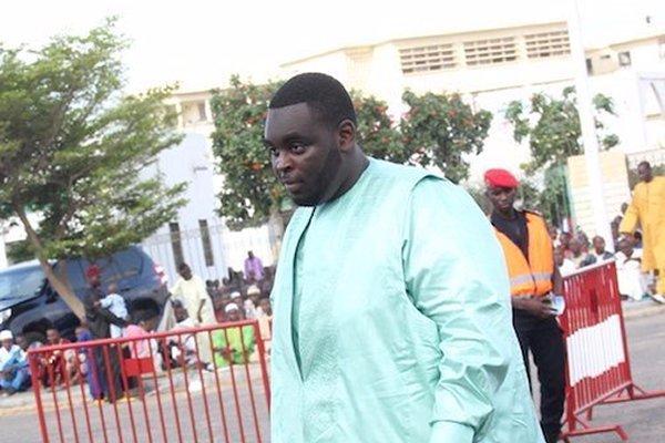 """Ousmane Sonko s'attaque aux Sall: """"Macky a détourné l'argent du pays et c'est à son fils, maintenant, de prendre le relais"""""""