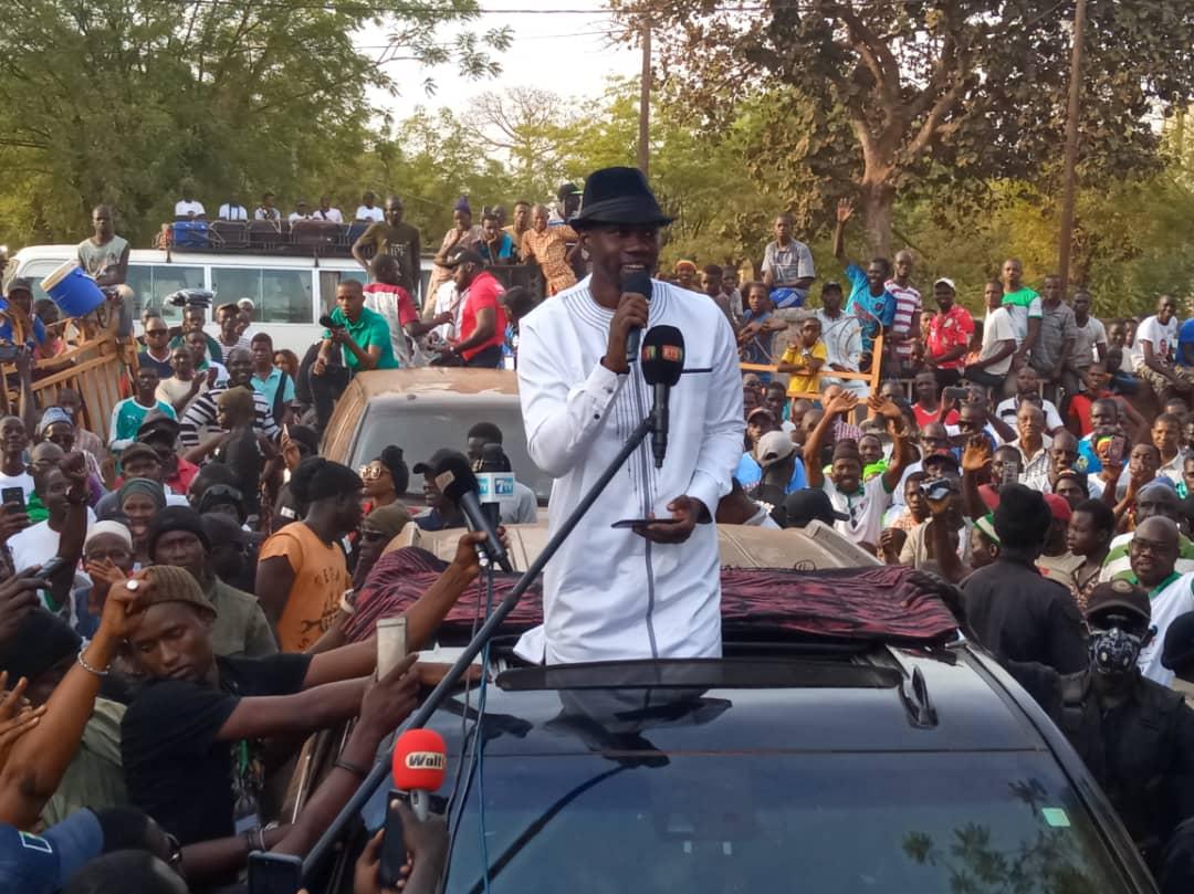 En caravane à Dagana : Ousmane Sonko rend un hommage à Oumar Sarr