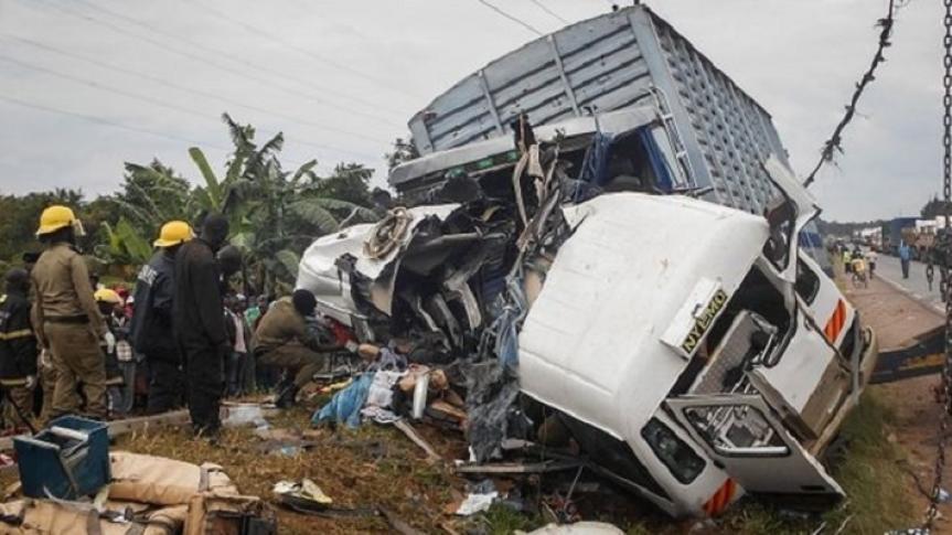Drame à Thiaroye: un camion tombe de l'échangeur et cause quatre morts
