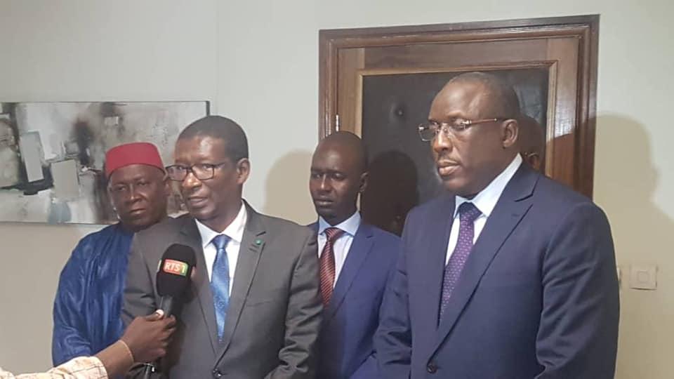 Passation de service: Mary Teuw Niane souhaite succès et réussite à Cheikh Oumar Hanne