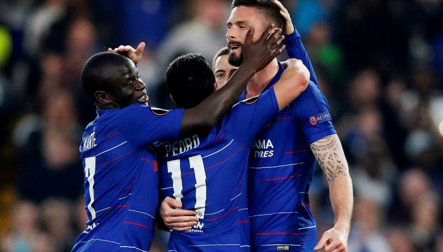 Chelsea se fait peur, mais se qualifie pour le dernier carré