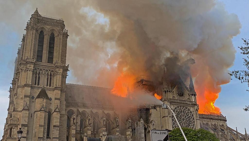 Incendie à la cathédrale Notre Dame de Paris