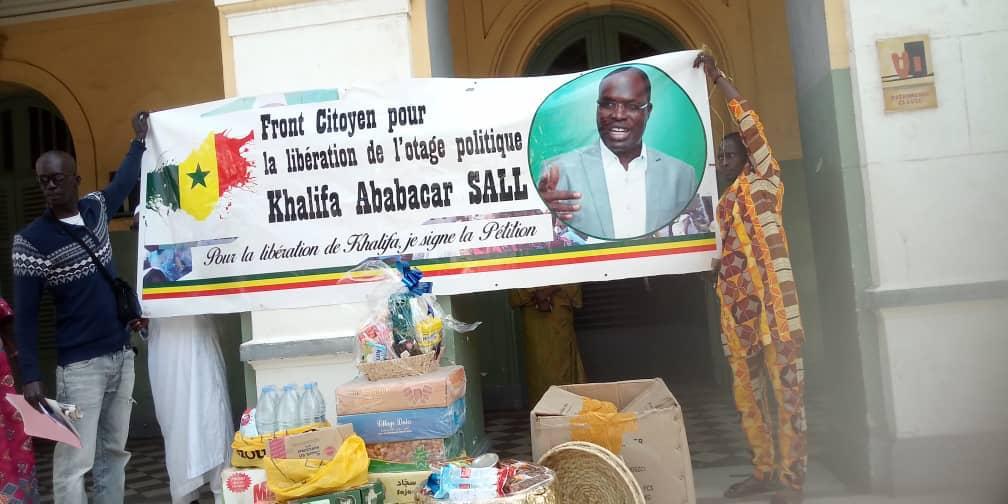 Reubeus: les partisans de Khalifa Sall lui apportent un Ndogu Royal