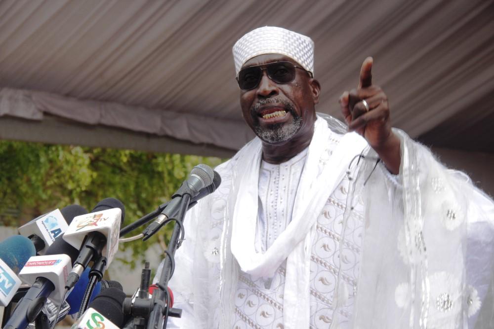 Contrat sur les ressources pétrolières: Abdoulaye Makhtar Diop enfonce Abdoulaye Wade et défend Macky Sall