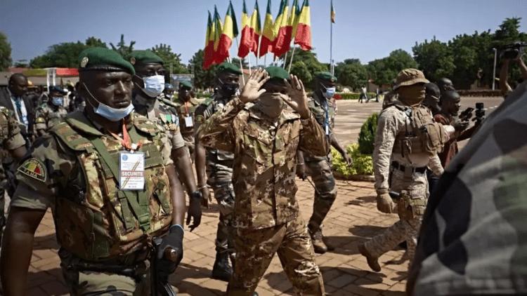 Mali : l'armée accusée de crimes de guerre, des groupes armés de crimes  contre l'humanité | ACTUSEN